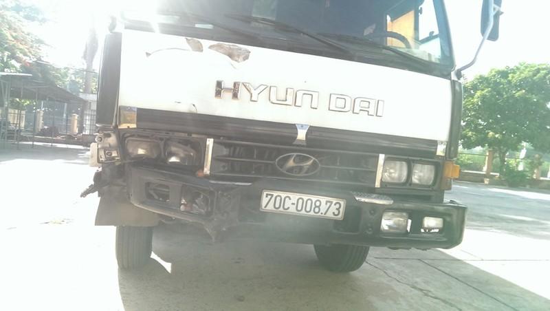 Người đàn ông chở chôm chôm bị xe tải kéo lê 600 m - ảnh 2