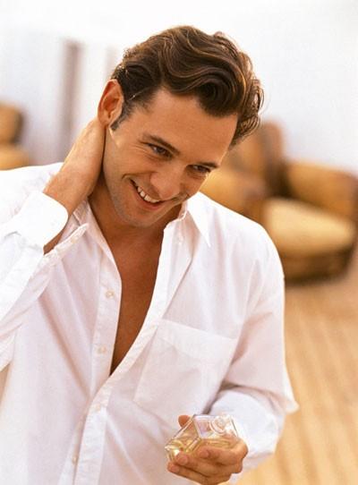 Sự nam tính của nam giới được xác định qua… mùi hương - ảnh 2