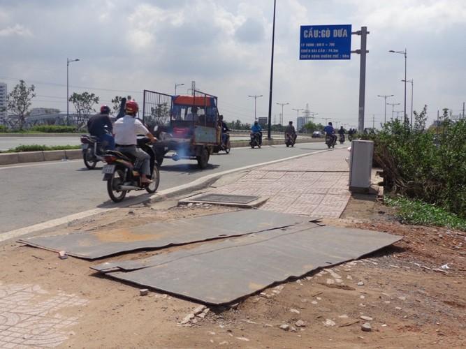 Chuyên gia phân tích những vết nứt 'lạ' trên đường Phạm Văn Đồng - ảnh 5