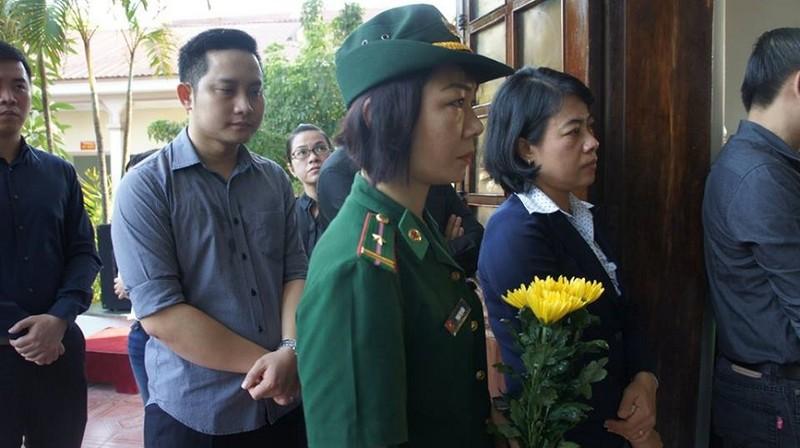Lễ truy điệu Đại tá phi công Su-30 Trần Quang Khải: Đưa Anh về đất mẹ - ảnh 25