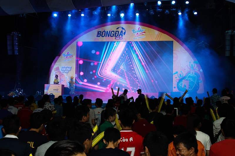 Văn Quyến, Thanh Bình thổi bùng sức nóng cho trận chung kết Euro 2016 - ảnh 2