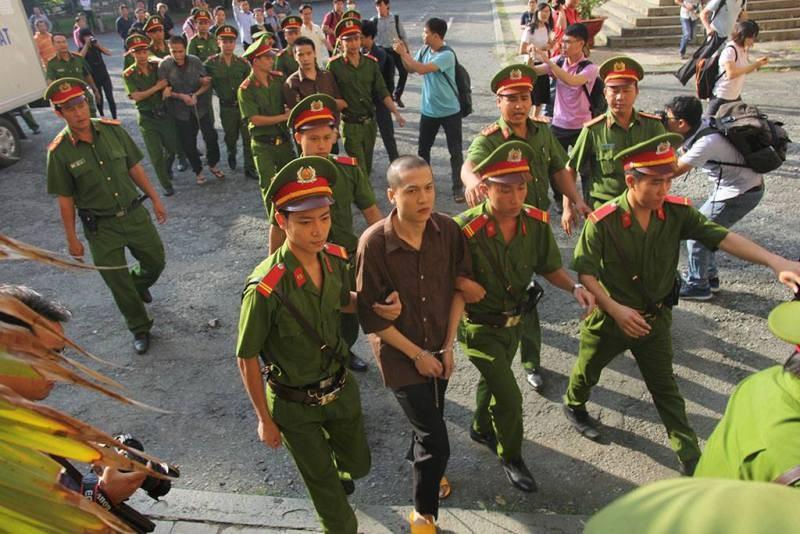 Thảm sát Bình Phước: 'Đọc bản án, không thể tha thứ cho một bị cáo nào' - ảnh 3