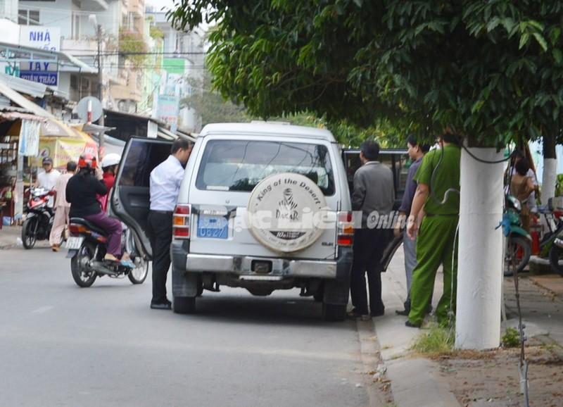 Hàng loạt cựu lãnh đạo VietABank Bạc Liêu hầu tòa - ảnh 1