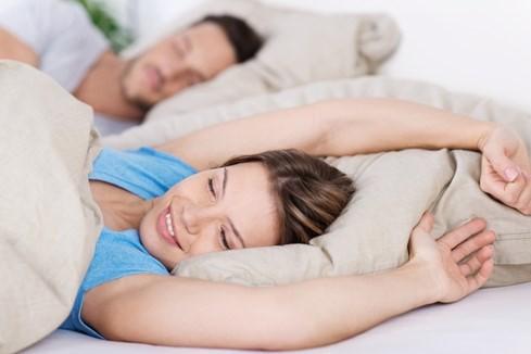 Càng ngủ nhiều càng hạnh phúc với hôn nhân? - ảnh 1