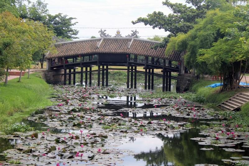 Cận cảnh cây cầu quý xứ Huế trước ngày trùng tu - ảnh 4