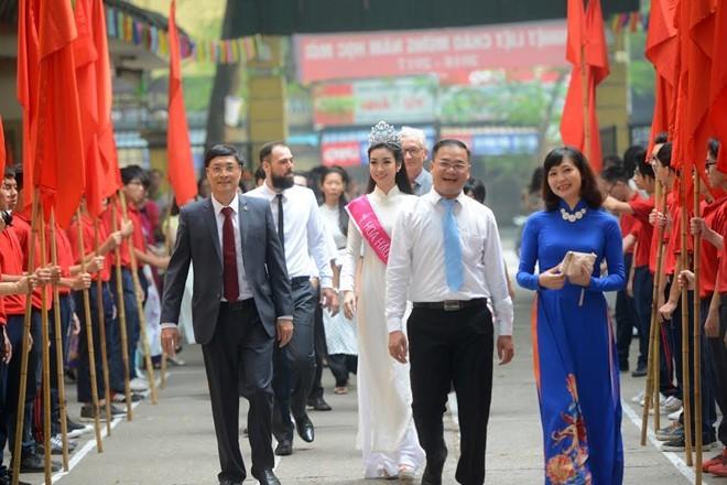 Dàn Hoa hậu, Á hậu rạng rỡ dự lễ khai giảng trường cũ - ảnh 13
