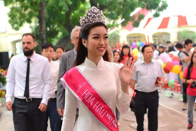 Dàn Hoa hậu, Á hậu rạng rỡ dự lễ khai giảng trường cũ - ảnh 14