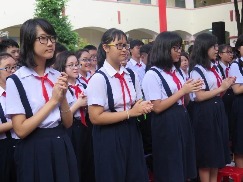 Bí thư Đinh La Thăng gióng trống khai giảng năm học mới - ảnh 7
