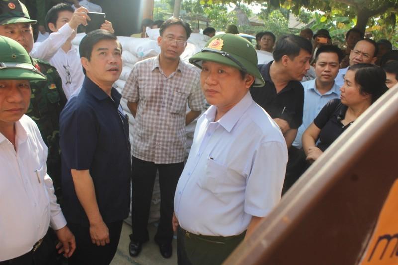 Bộ Thông tin-Truyền thông trao quà cứu trợ tại Hà Tĩnh - ảnh 3