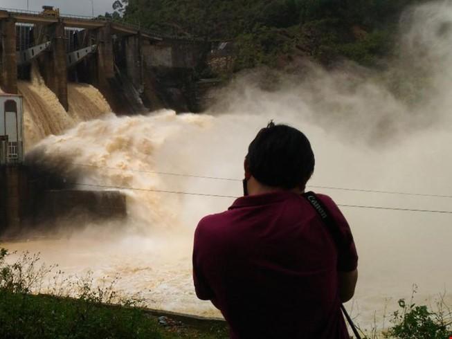 Đừng để thủy điện trở thành nỗi ám ảnh mùa mưa lũ - ảnh 3