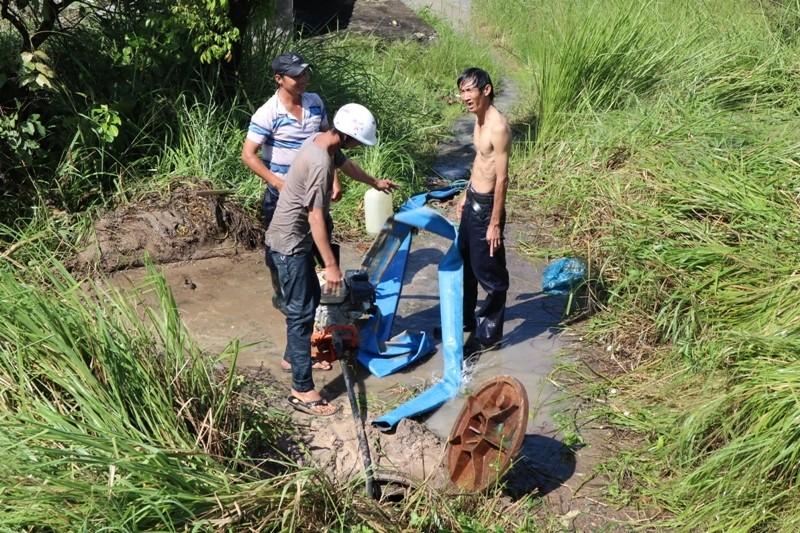 Khắc phục sự cố vỡ ống nước qua cầu Gò Dưa - ảnh 2