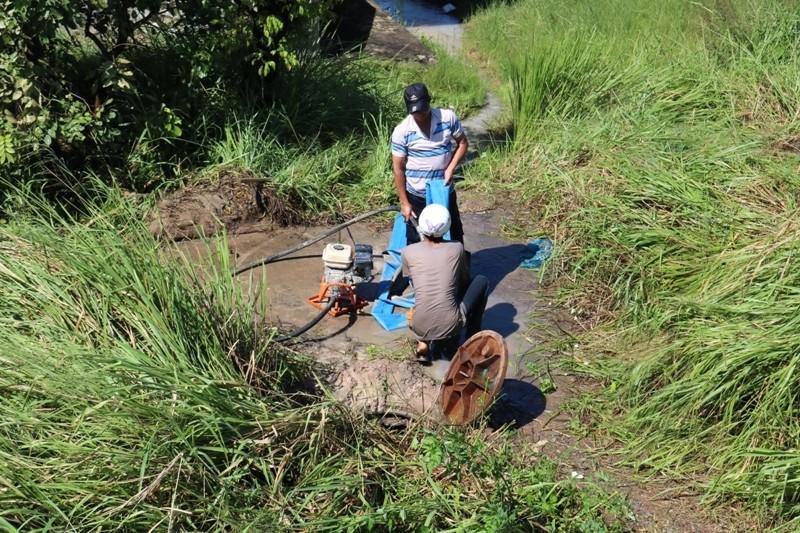 Khắc phục sự cố vỡ ống nước qua cầu Gò Dưa - ảnh 3