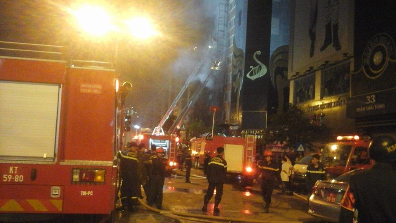 Cháy dữ dội quán karaoke: 'Cứu các bạn tôi với!' - ảnh 19