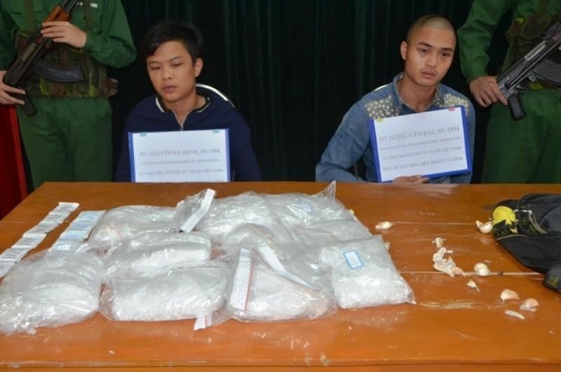'Vác thuê' 5 kg ma túy từ Trung Quốc về Việt Nam - ảnh 1