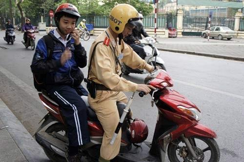 Để không còn tình trạng chống đối cảnh sát giao thông - ảnh 6
