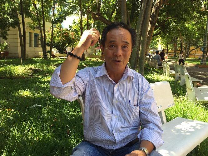 Ông Chu Quang Hưng tại trụ sở TAND TP.HCM – nơi nhiều năm ông tới lui yêu cầu các cơ quan tố tụng xin lỗi, bồi thường oan. Ảnh: PHƯƠNG LOAN