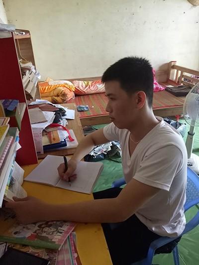 VKSND huyện Cái Nước đình chỉ hình sự vụ 'chiếc áo đỏ oan nghiệt' - ảnh 3
