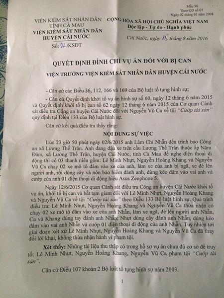 VKSND huyện Cái Nước đình chỉ hình sự vụ 'chiếc áo đỏ oan nghiệt' - ảnh 1