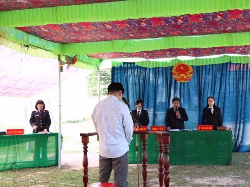 Phiên toà lưu động xử người chống người thi hành công vụ Nguyễn Quang Khải sáng 10-2.