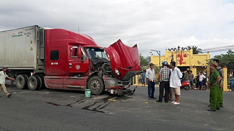 Bị xe container kéo lê, 1 người đàn ông thiệt mạng - ảnh 2