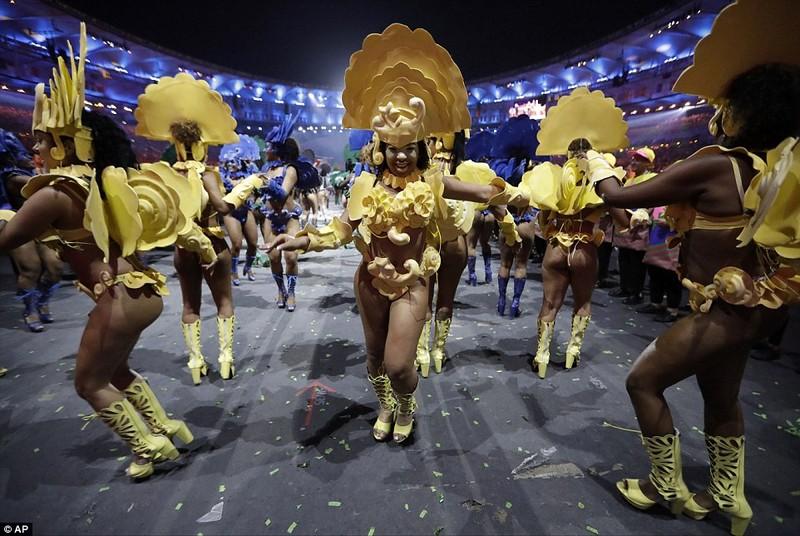 Chùm ảnh: Lễ khai mạc Olympic Rio diễn ra hoành tráng - ảnh 20