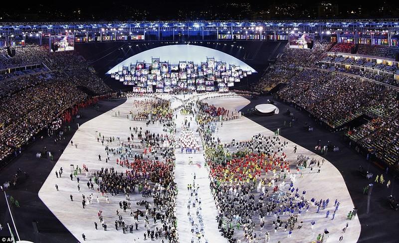 Chùm ảnh: Lễ khai mạc Olympic Rio diễn ra hoành tráng - ảnh 23