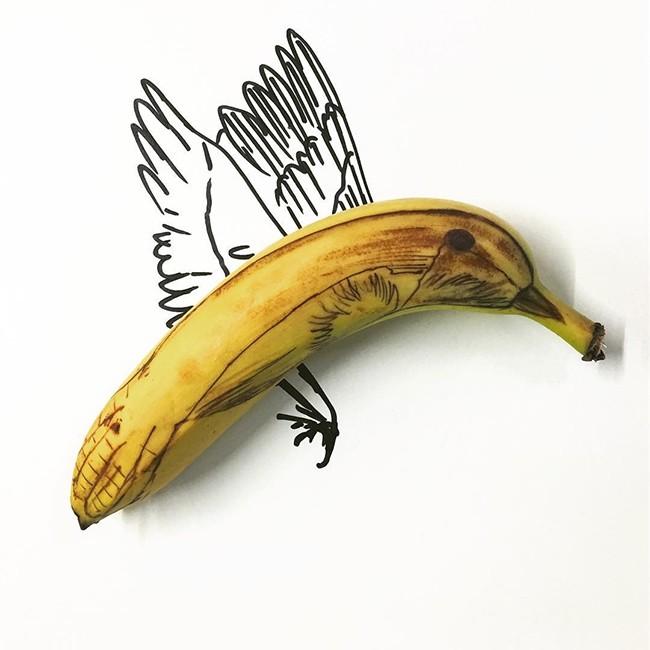 Những bức tranh minh họa hài hước được vẽ từ chuối - ảnh 2