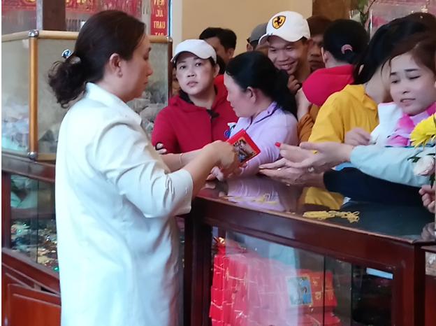 Chùa Bà Châu Đốc đón khách thập phương dịp đầu năm mới - ảnh 2