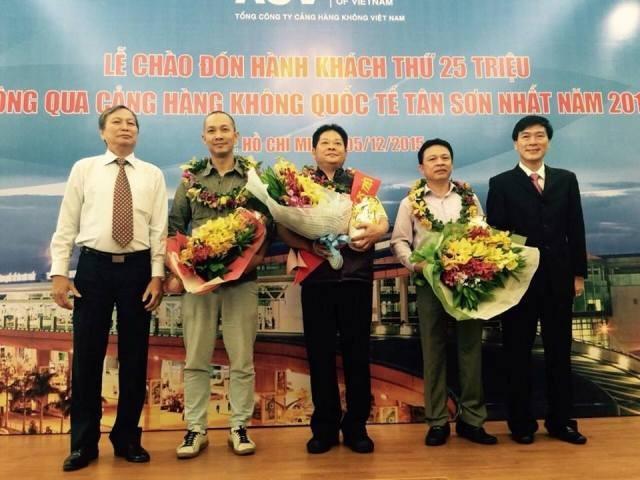 Sân bay Tân Sơn Nhất đón hành khách thứ 25 triệu - ảnh 1