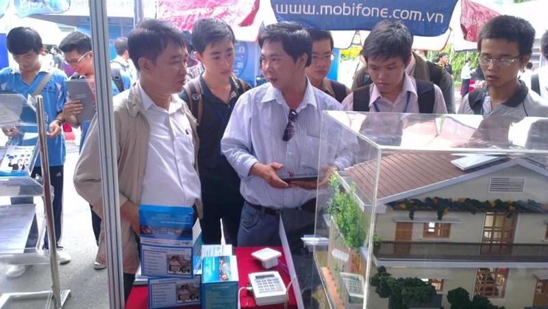 Nhà thông minh, nấm sạch Việt kiếm tiền tỉ nhờ vườm ươm - ảnh 1
