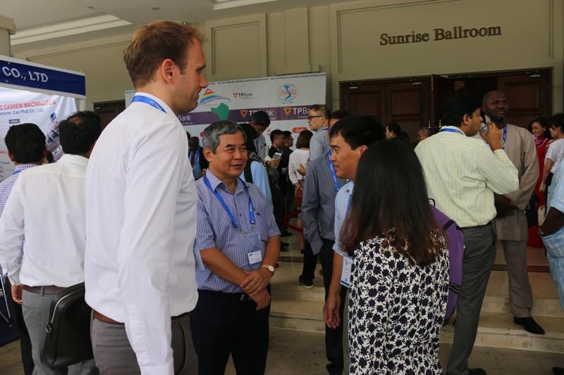 1.000 khách quốc tế đến Việt Nam tìm hiểu hạt điều - ảnh 2