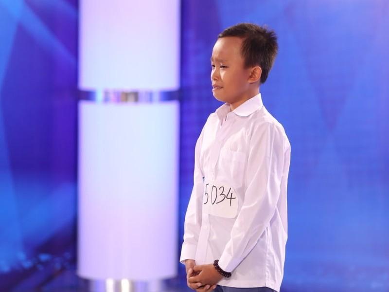 Rớt nước mắt với cậu bé 13 tuổi chuyên hát đám cưới ở Gò Công - ảnh 1