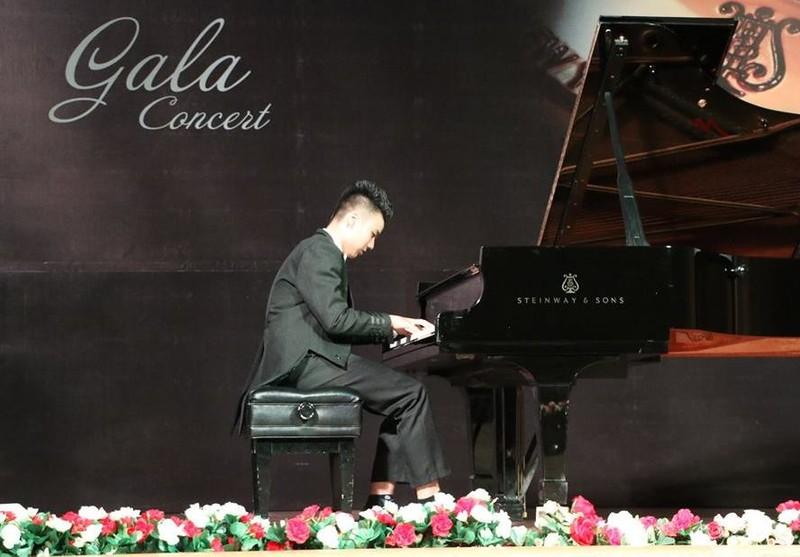 Từ trẻ tự kỷ thành tài năng piano - ảnh 2