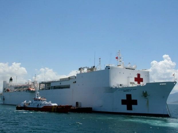 Tàu Mỹ rời biển Việt Nam
