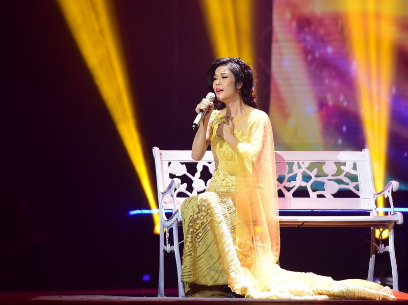 Liveshow Việt Anh và lưng chừng xúc cảm - ảnh 11