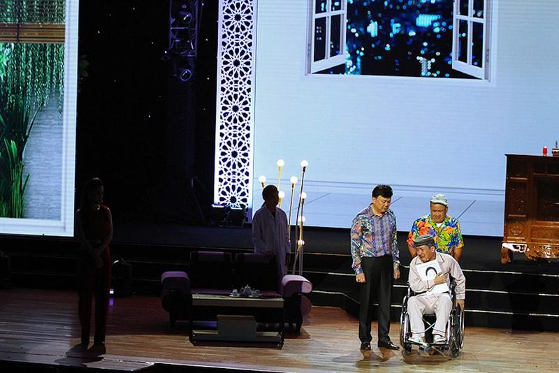 Trường Giang rơi nước mắt khi nhắc về mẹ ở Phú Yên - ảnh 3