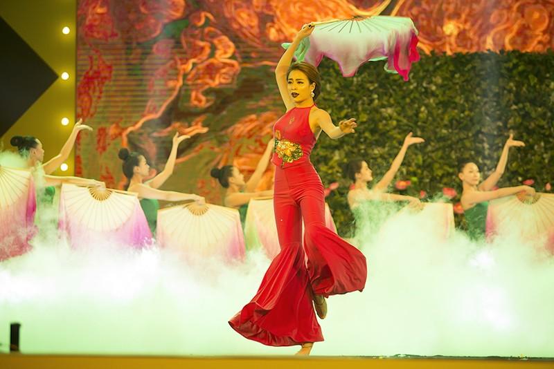 Hoàng Thùy Linh nhắc chuyện cũ khi nhận giải Vpop - ảnh 2