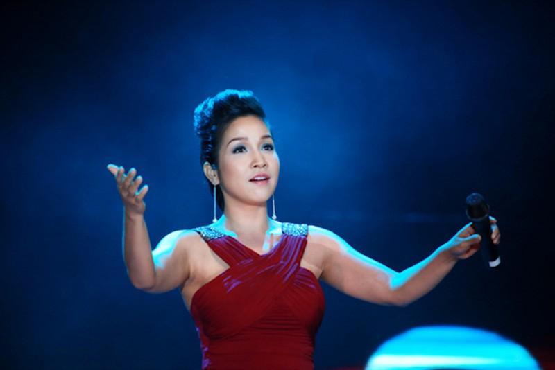Tuấn Ngọc, Mỹ Tâm, hoa hậu Mỹ Linh đón xuân an bình - ảnh 3