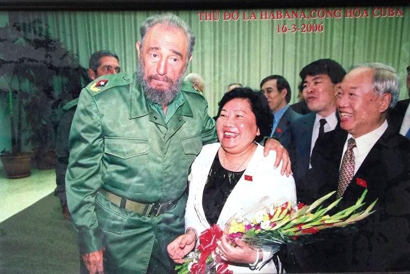 """Bà Nguyễn Thị Hoài Thu: """"Tôi để tang cho Fidel"""" - ảnh 1"""