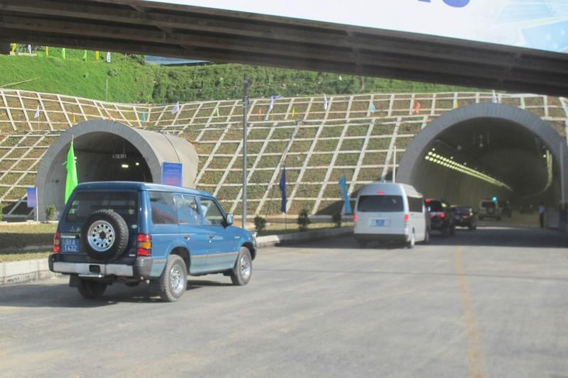 Thông xe hầm đường bộ đèo Cổ Mã - ảnh 3