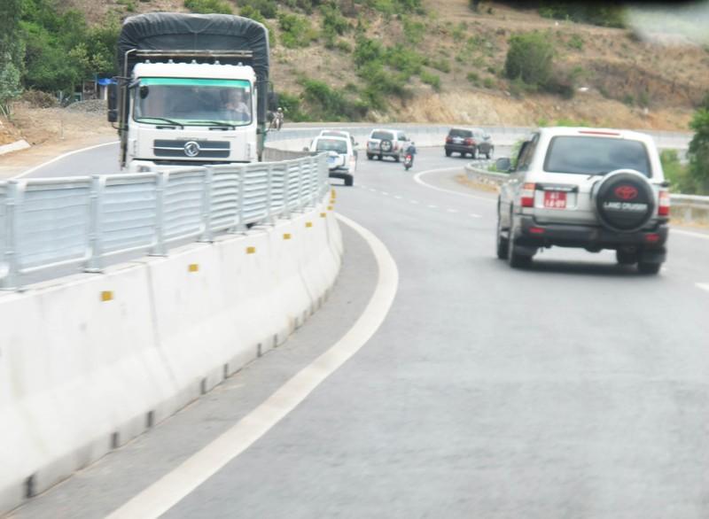 Thông xe quốc lộ 1 mở rộng đoạn qua Phú Yên sớm ba tháng - ảnh 3