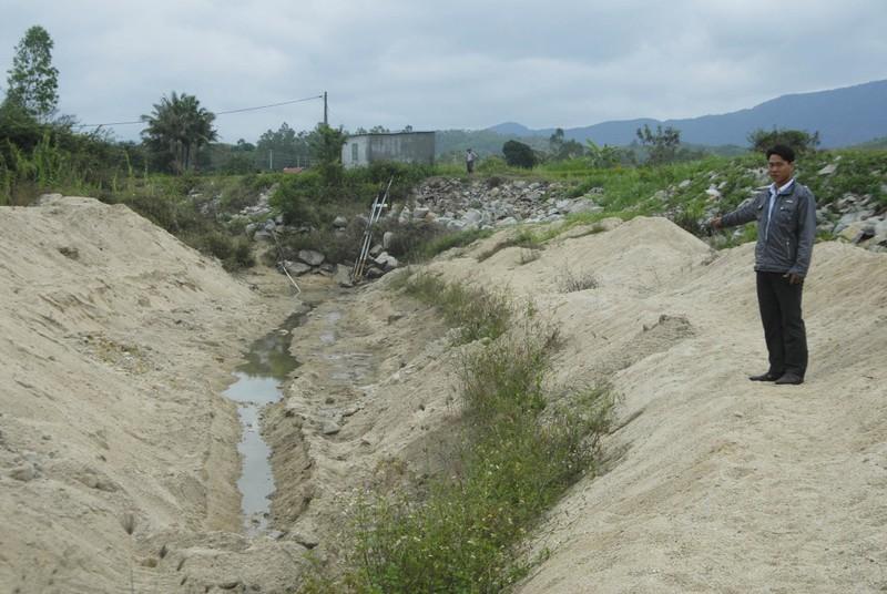 Lúa chết khô, thủy điện vẫn không 'chịu' xả nước   - ảnh 2