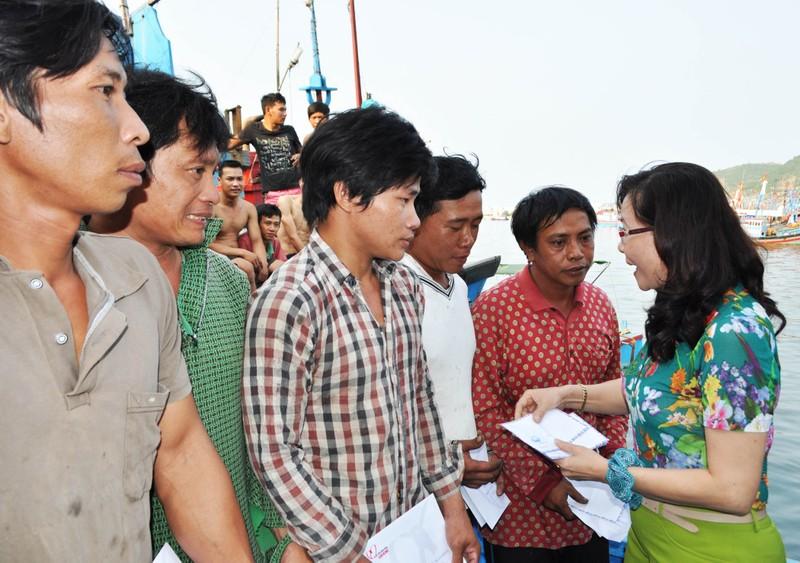 Nghi tàu nước ngoài cố tình tông chìm tàu cá Việt Nam ở Hoàng Sa - ảnh 6
