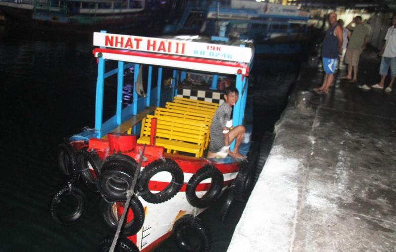 Cháy hai tàu chở du khách ở Nha Trang - ảnh 2