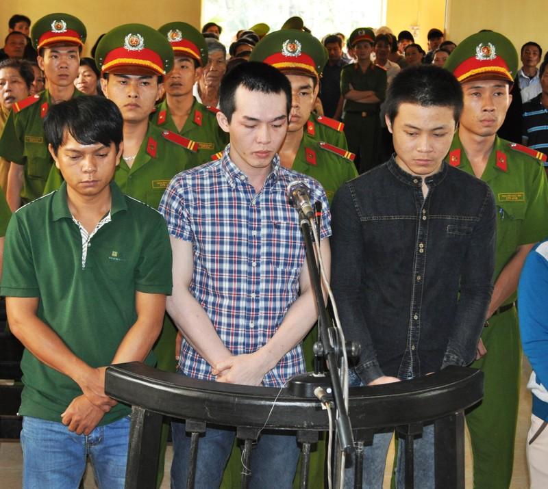 Tăng án phạt đối với cựu công an viên đánh chết học sinh - ảnh 1