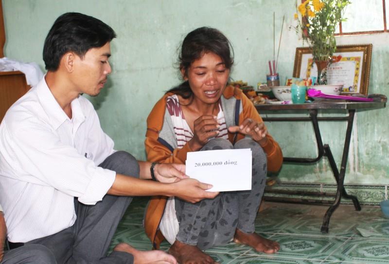 100 triệu đồng trợ giúp 2 gia đình có con bị chết đuối - ảnh 1