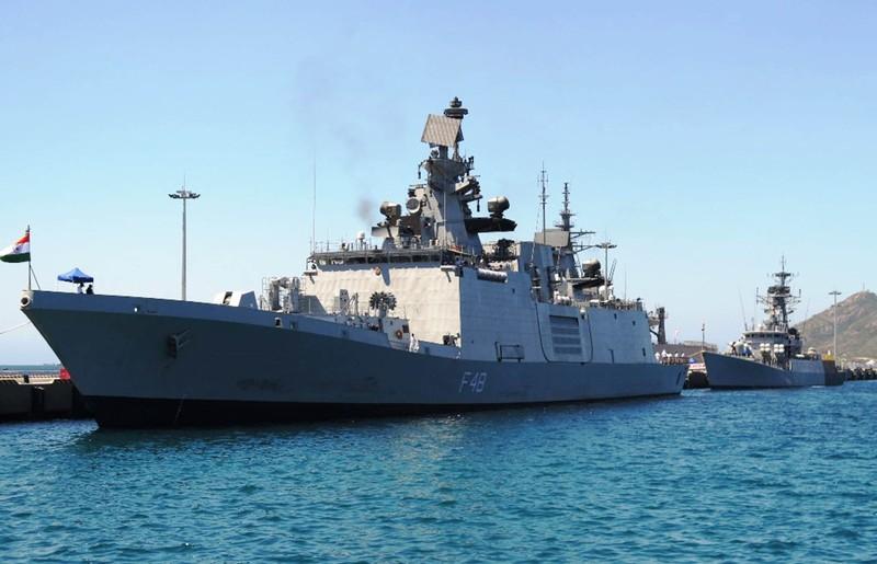 Hai tàu chiến Ấn Độ thăm hữu nghị Việt Nam - ảnh 2