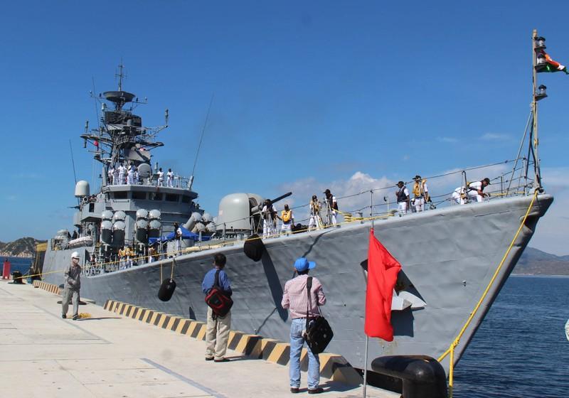 Hai tàu chiến Ấn Độ thăm hữu nghị Việt Nam - ảnh 7