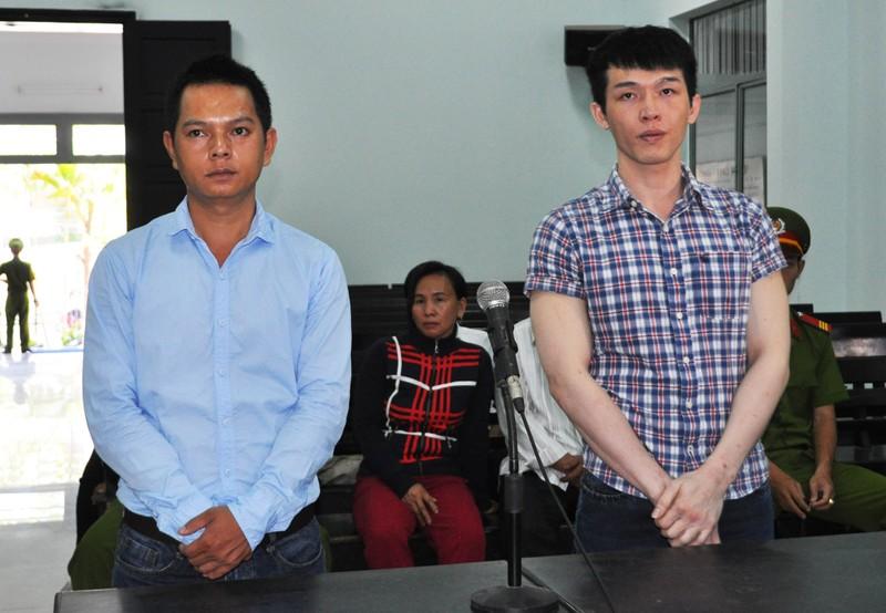 hai cựu công an viên Lê Minh Phát (phải), Lê Ngọc Tâm