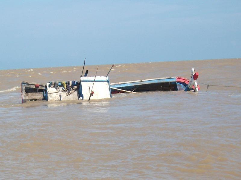 Một vụ chìm tàu trên biển. Ảnh: TL